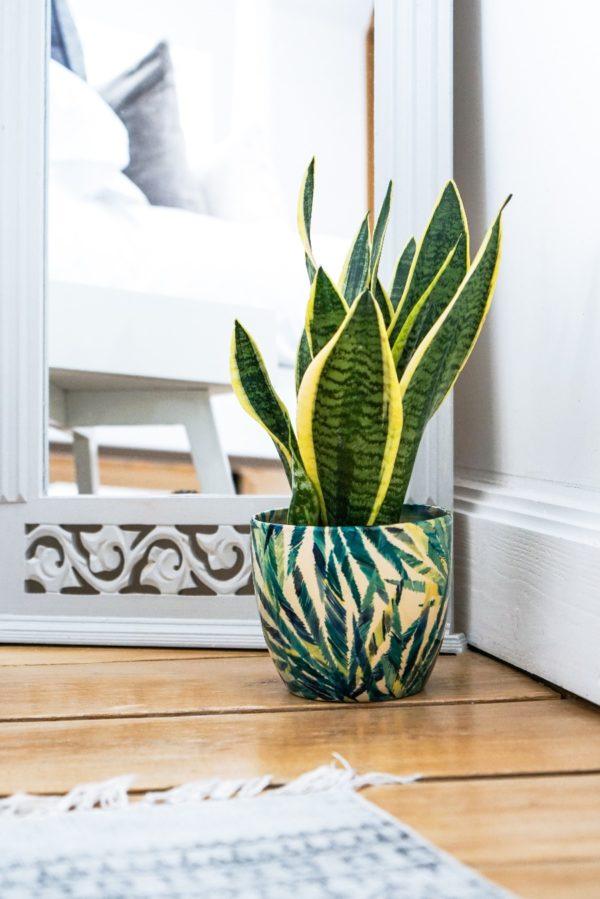 Green Palm LEaf Print Pot